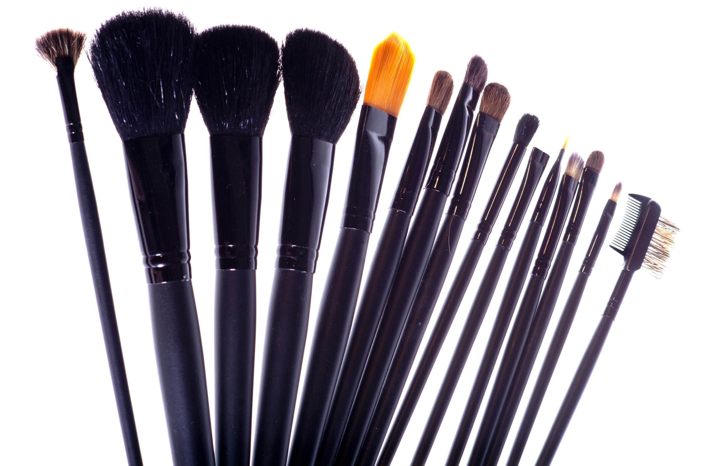 Из какого материала лучшие кисти для макияжа